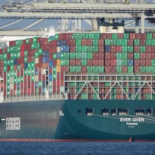 Bloqueio do canal do Suez mostra vulnerabilidade nas cadeias de abastecimento