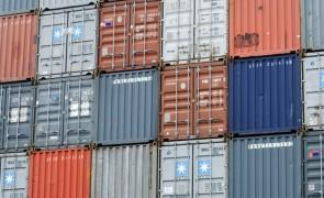 """Como a """"crise dos contentores"""" está a afectar o comércio internacional"""